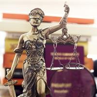 На вопрос, можно ли вернуть излишне взысканные налоги и сборы в судебном порядке, ответила ФНС России