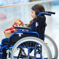 Начал применяться повышенный размер ежемесячных выплат по уходу за ребенком-инвалидом