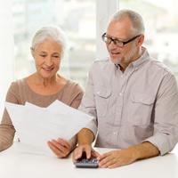 В 2016 году средний размер социальной пенсии могут увеличить до 8646 руб.