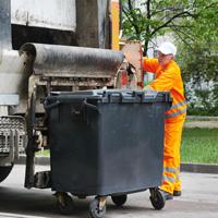 Услугу по сбору и вывозу мусора планируется перевести из жилищной в коммунальную