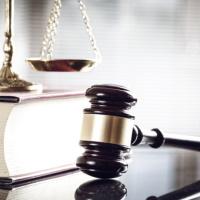 ВС РФ подтвердил законность штрафа, назначенного госслужащему за формальное отношение к обращению гражданина