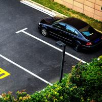 На отдельных улицах в центре столицы введен дифференцированный тариф платной парковки