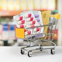 Аптеки обяжут предлагать покупателям в первую очередь наиболее дешевый взаимозаменяемый препарат
