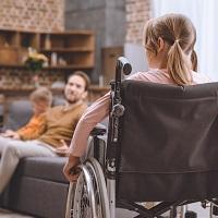 Ухаживающим за инвалидами I группы предлагается установить индексируемую ежемесячную выплату в размере 10 тыс. руб.