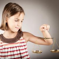 Определены приоритетные задачи защиты прав несовершеннолетних в деятельности российских судов