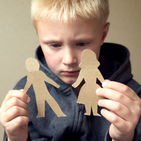 Предлагается втрое сократить срок, в течение которого потенциальные усыновители должны знакомиться с новыми анкетами детей-сирот
