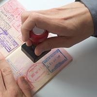 Кабмин предлагает ужесточить порядок получения разрешения на проживание в России