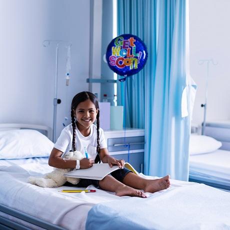 Школьник в больнице: как организовать его обучение?