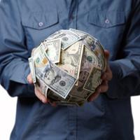 Руководству госучреждений могут запретить назначать себе зарплаты выше, чем у Президента РФ