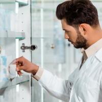 ВС РФ: ТОРГ-13 не доказывает факт передачи лекарств ПКУ в иное подразделение аптеки