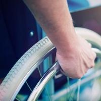 Предоставлять земельные участки инвалидам вне очереди предлагается независимо от их нуждаемости в улучшении жилищных условий
