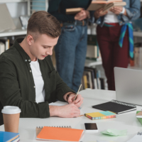 В ученическом договоре необходимо указывать получаемую учеником квалификацию