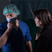 Смерть от пневмонии повлекла многомиллионные выплаты вдове и детям умершего пациента