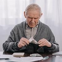 С 1 апреля индексация социальных пенсий может составить 3,4%