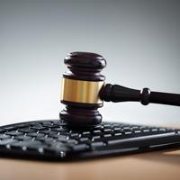 Открытые заседания КС РФ будут транслировать в Интернете