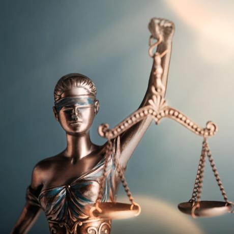 ФНС России подготовила обзор правовых позиций КС РФ и ВС РФ по налоговым спорам за IV квартал 2020 года