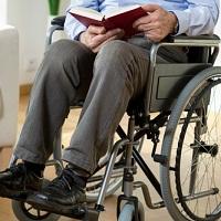 Обеспечивать инвалидов жильем за счет бюджета предлагается вне зависимости от того, когда они встали на учет