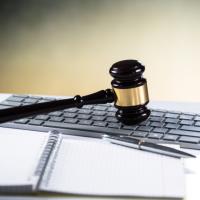 В Госдуму внесен законопроект о возможности участия в судебном заседании посредством веб-конференции