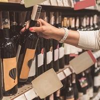 Госдума не разрешила торговать алкоголем рядом с частными медорганизациями