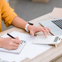 Налоговики разъяснили, когда удобнее получить имущественный вычет целиком, а когда – частями