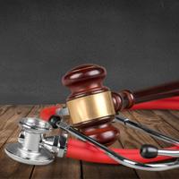 Насилие в отношении медиков предлагается наказывать административным арестом