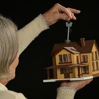 Налоговый вычет не предоставляется при покупке недвижимости у родителей, супруга и других близких родственников
