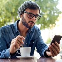 ВС РФ уточнил, когда можно требовать компенсацию морального вреда за назойливые звонки и СМС