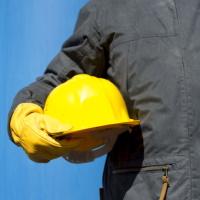 Разъяснено, какие требования могут предъявляться к участникам при проведении запроса предложений – повторной закупки на выполнение строительных работ