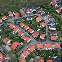 Для получения льгот по земельному налогу и налогу на имущество физлиц не нужно предоставлять заявление в налоговую инспекцию
