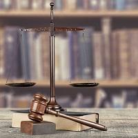 Суд не вправе отказать в принятии заявления о взыскании судебных расходов, если заявитель неверно определил госорган, с которого следует их взыскать