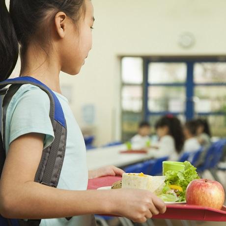 Контракт на поставку продуктов питания для детских учреждений планируется расторгать в одностороннем порядке при первом нарушении его условий