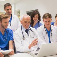 С 13 апреля – новый порядок направления медиков на повышение квалификации за счет НСЗ