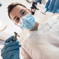Представлены рекомендации по внедрению СКиБ в стоматологических клиниках (кроме стационаров)