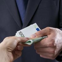 Чиновников могут обязать указывать в сведениях о доходах имеющиеся в отношении них обязательства третьих лиц