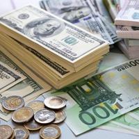 Курсы доллара и евро повысились и достигли показателей за апрель 2015 года