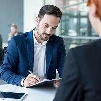 Предложение другой работы при сокращении: как оценить, отвечает ли работник требованиям по вакантной должности?