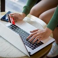 ВС РФ: блокировка карты после подозрительного платежа из соцсети может быть законной