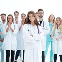 Сертификаты специалистов медицинским и фармацевтическим работникам выдадут в следующем году
