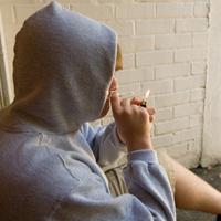 Прокуроры примут меры по пресечению незаконного оборота курительных смесей и веществ
