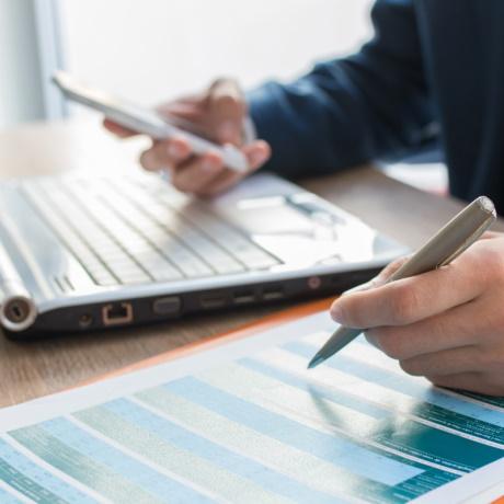 Адвокат вправе учесть в составе вычета по НДФЛ свои профессиональные расходы