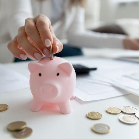 Налоговая служба рассказала об особенностях удержания НДФЛ с доходов, выплачиваемых страховой организацией