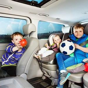 Можно ли перевозить ребенка младше 12 лет без автокресла?