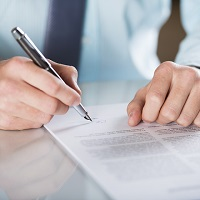 Заказчики по государственным и муниципальным контрактам начнут списывать неустойки, начисленные поставщикам в 2015 и 2016 годах (с 4 мая)