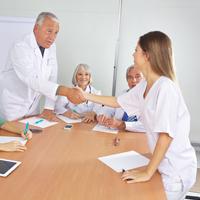 В Москве откроется Центр содействия трудоустройству уволенных медиков