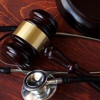 Роддом заплатит компенсацию морального вреда и потребительский штраф за заражение роженицы гепатитом С