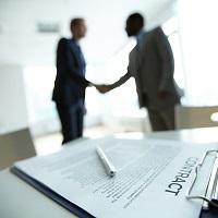 Выплата подрядчику непредусмотренного договором аванса не является нарушением Закона № 223-ФЗ