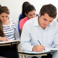 Выпускников школ, которые не собираются продолжать обучение в вузах, могут освободить от сдачи ЕГЭ