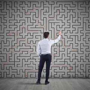 Трудные вопросы о сложной профессии: когда юристу нужно сделать выбор
