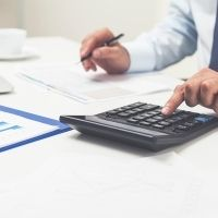 ТСЖ должно уплачивать страховые взносы с выплат и вознаграждений в пользу своих работников