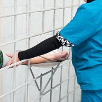 Общественная палата РФ попросит Правительство РФ допустить в СИЗО и тюрьмы частных врачей